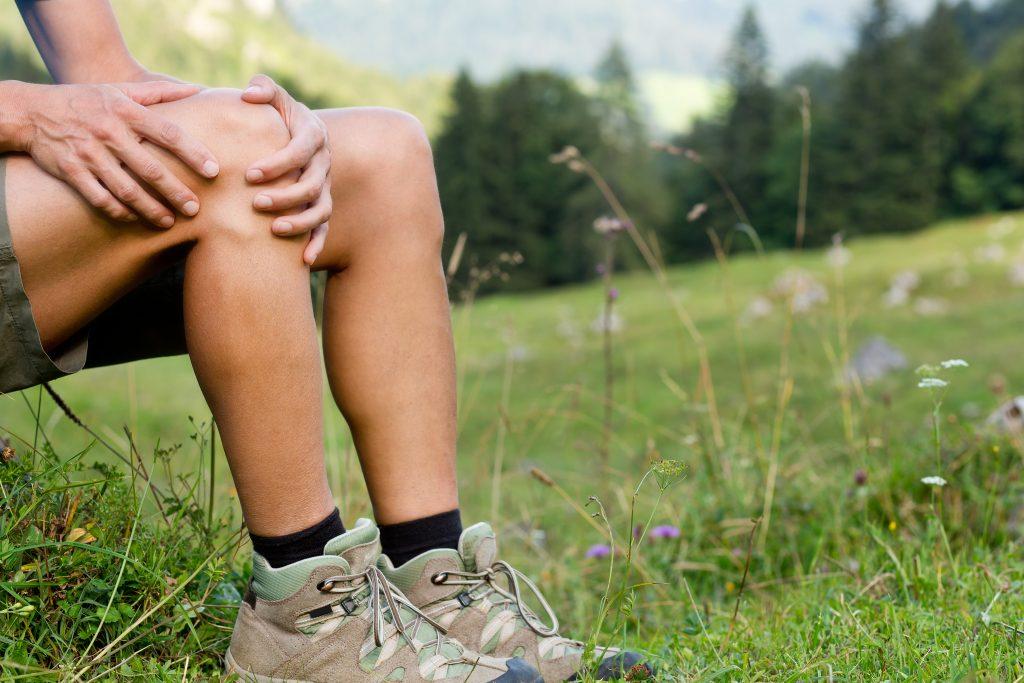 Knie Schmerzen beim Bergsteigen